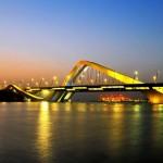 Ponte Sheik Zayed, em Abu Dhabi: prova da versatilidade de Zaha Hadid
