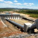 Trecho da Transposição do Rio São Francisco, no Ceará: bombear a água é o maior desafio