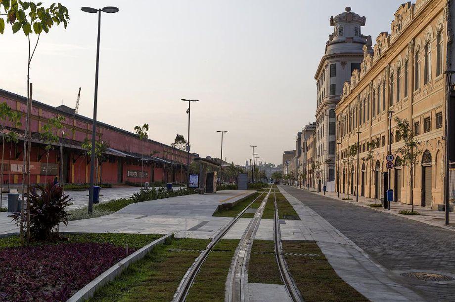 Sobre a estrutura do túnel ocorreu a revitalização urbana da região portuária da cidade do Rio de Janeiro