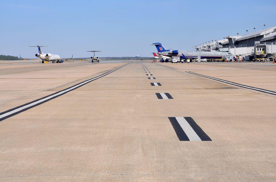 Manutenção de pavimentos de concreto em aeroportos dos Estados Unidos consome grande volume de recursos por ano