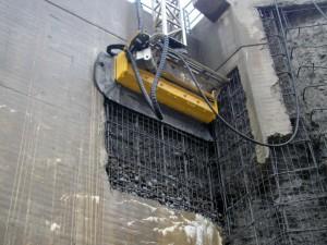 Robô tem dois modelos: um que escala as paredes altas e outro que opera em estruturas no solo