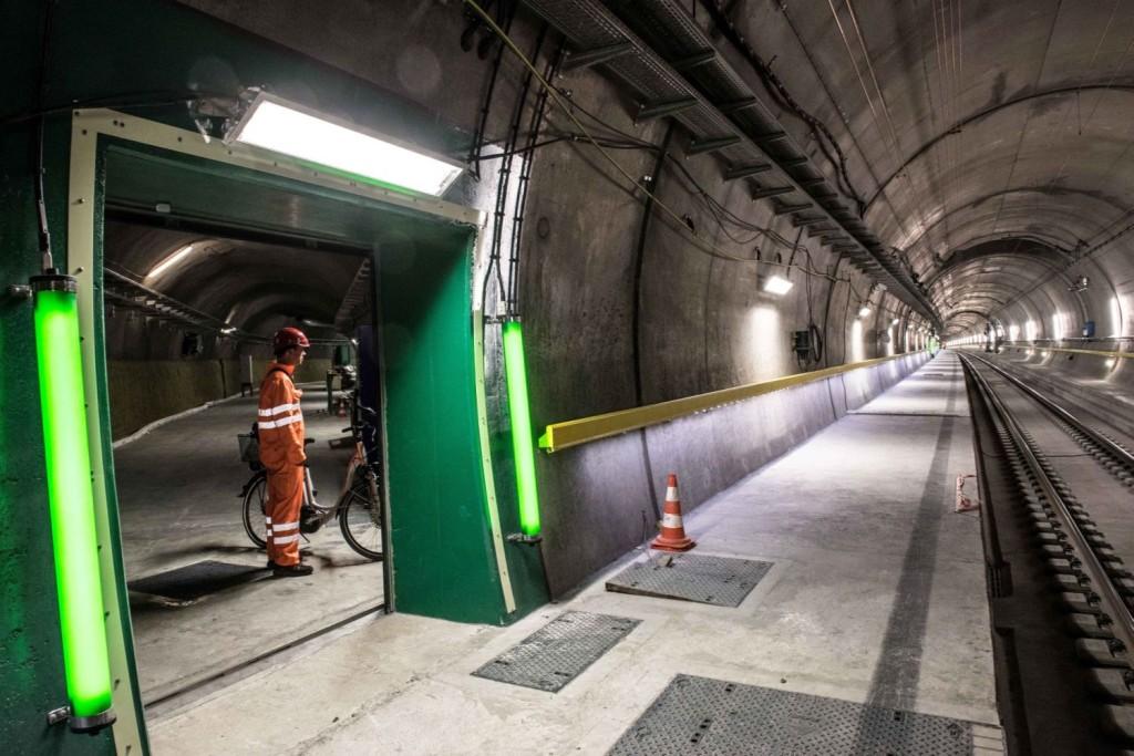 Segurança é prioridade no túnel, que conta com várias áreas de escape