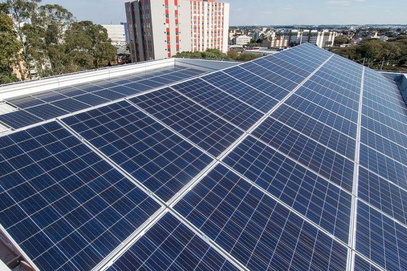 Placas para captar energia solar vão suprir entre 30% e 50% do consumo do prédio