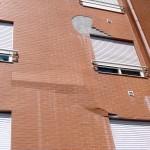 Mão de obra mal treinada ou sem fiscalização resulta em fachadas vulneráveis