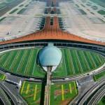 Terminal de Pequim, inaugurado em 2007: o primeiro dos aeroportos futuristas