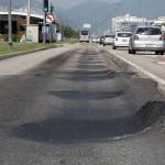 Corredor de BRT com asfalto: em alguns casos, deterioração no primeiro ano de uso
