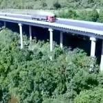 Restrições ambientais exigiram que fundações dos viadutos restringissem o uso de equipamentos de grande porte