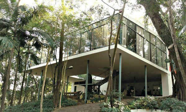 Casa de Vidro: construída nos anos 1950, está em processo de restauração
