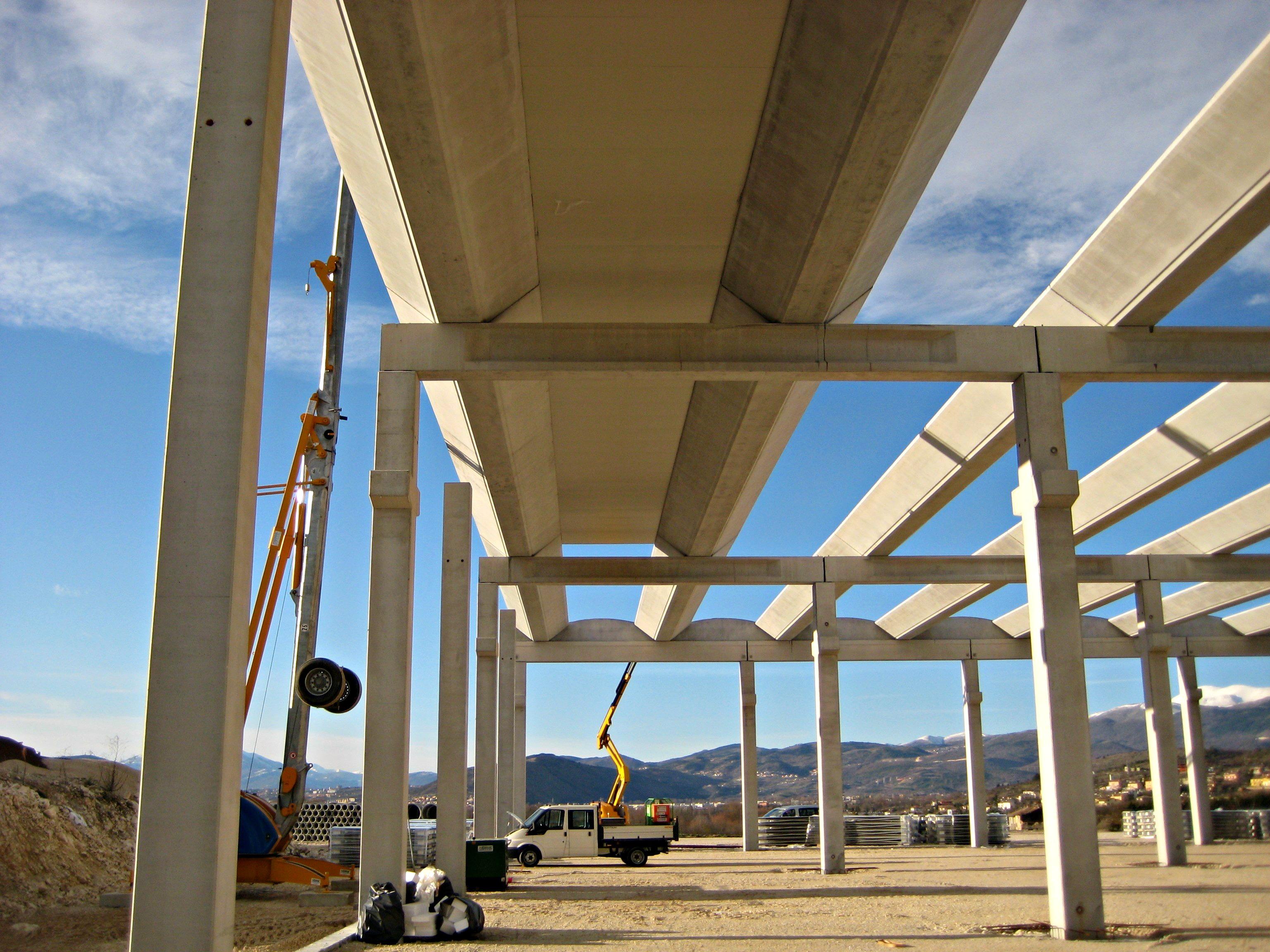 Plantas industriais foram as que mais consumiram estruturas pré-fabricadas de concreto em 2016