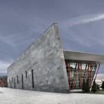 Em Kayseri, equilíbrio entre concreto, aço e vidro
