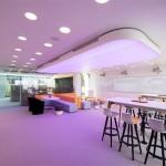 Interior do escritório construído em Dubai: sucesso da obra estimula governo a bancar novas obras