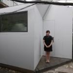 """Senhora Fan é a primeira moradora de uma """"Plugin House"""""""