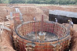 Obra para tratamento de esgoto no Norte do Paraná: estado é o que tem melhor serviço de coleta e tratamento de esgoto