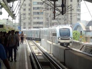 Metrô de Mumbai: linhas percorrem poucos trechos escavados, o que reduz custo e agiliza a obra
