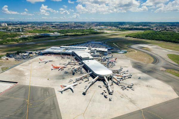 Aeroporto de Salvador foi outro reformado para a Copa de 2014, mas as melhorias não foram concluídas