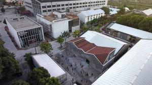 Galeria de arte passou por retrofit, em que ganhou fachada, telhado e pisos novos