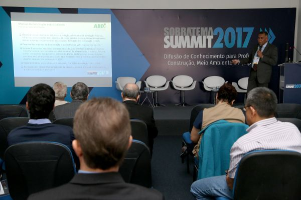 Claudionel de Campos Leite, da ABDI: meta é fomentar a construção industrializada