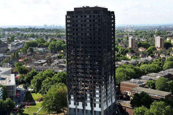 Edifício Grenfell Tower: prédio de habitação popular em Londres passou por reforma e recebeu fachada que alimentou incêndio