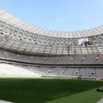 Estádio Luzhniki: totalmente reconstruído por dentro, mas por fora preserva arquitetura da era stalinista