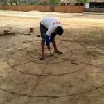 Curso de cisterneiro ensina a fazer a armadura de ferro da cisterna
