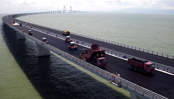 Resultado de imagem para desafios para a obra da ponte Hong Kong-Zhuhai-Macau