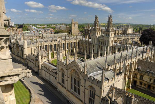 Universidade de Oxford, na Inglaterra: fundada em 1096, está no topo mundial do conhecimento