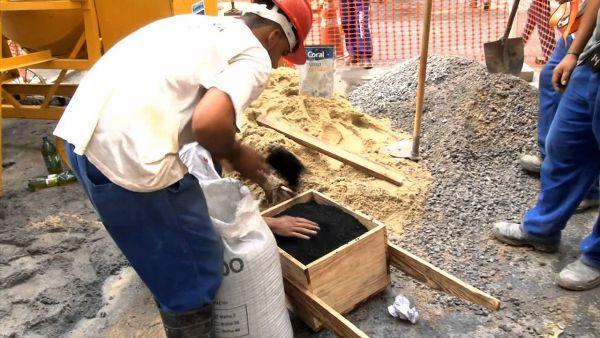 Resíduos de pneus substituem 10% da areia na composição de agregados e, com mais cimento, mantêm as mesmas propriedades do concreto convencional