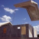 Até a cobertura da casa antifuracão é de concreto maciço