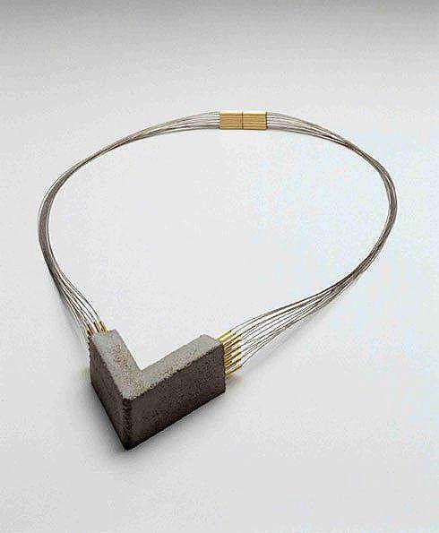 aa68f35803c Designers inovam e criam relógios de concreto