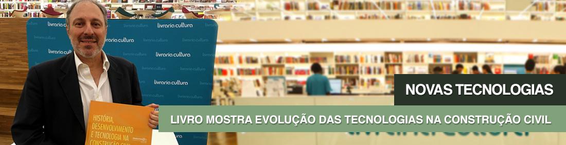 Eder Santin, com o livro que retrata a evolução da construção civil na cidade de São Paulo