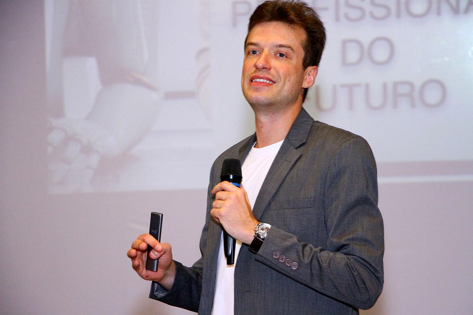 Arthur Igreja: Brasil tem oportunidades colossais, por estar muito atrasado