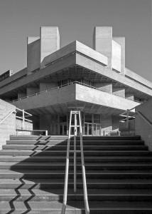 Teatro Nacional de Londres: umas das principais referências da arquitetura brutalista na Europa. Crédito: BlueCrowMedia.
