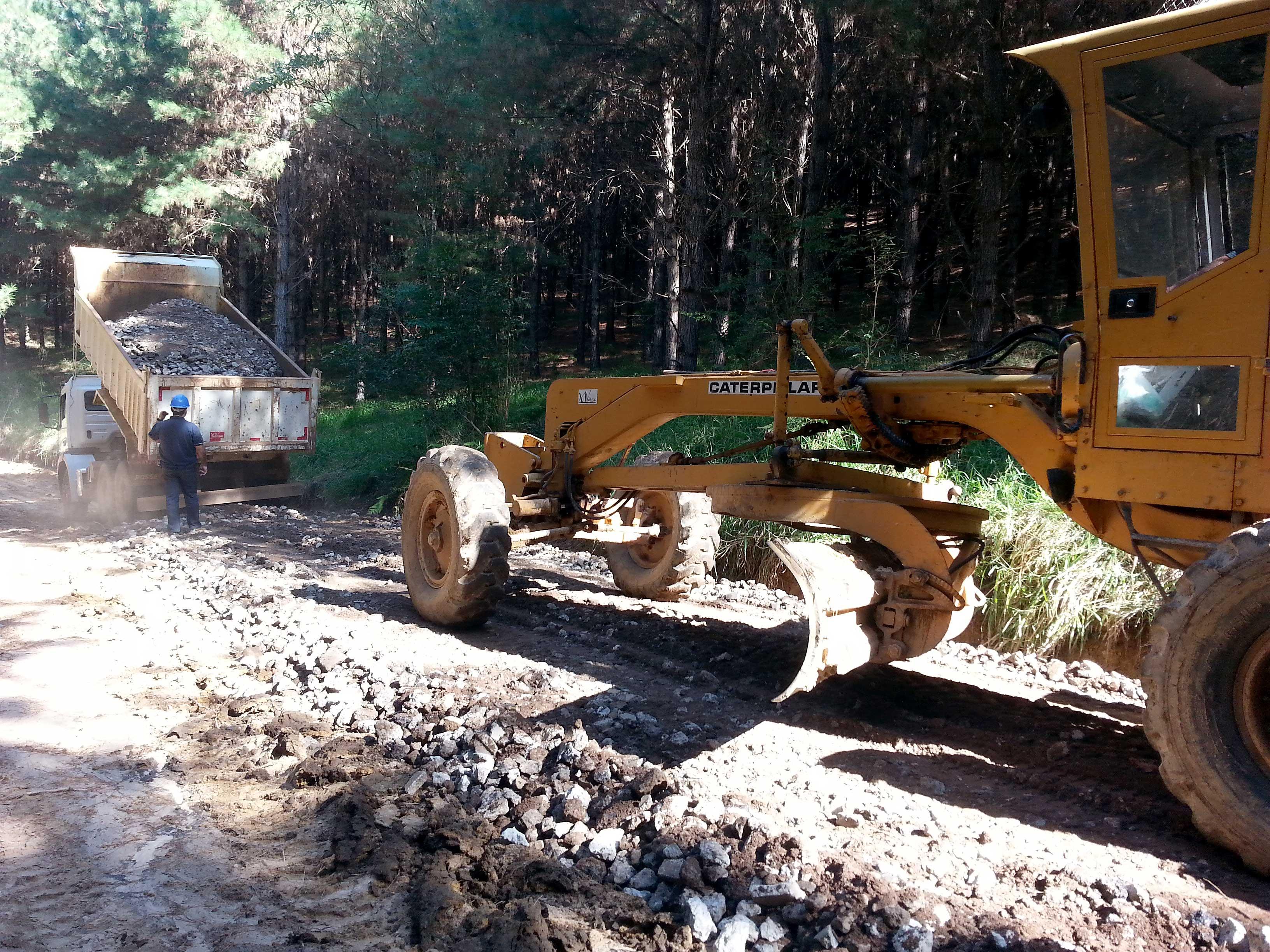 Uso de resíduos da construção em rodovias rurais permite que empresas da construção e prefeituras atuem em conjunto