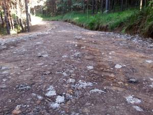 Destinação dos resíduos da construção para pavimentar estradas rurais gera ganhos ambientais e econômicos