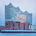 Teatro da filarmônica de Hamburgo, também conhecida como Elbphilarmonie Hamburg: inspirada nas partituras.