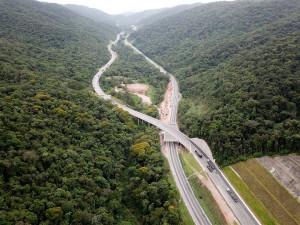 Duplicação da Serra do Cafezal: obras ajudam a conservar a Mata Atlântica.