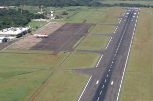 Aeroporto de Foz do Iguaçu atendeu dois milhões de passageiros em 2017, mesmo sem ainda poder receber aviões de grande porte