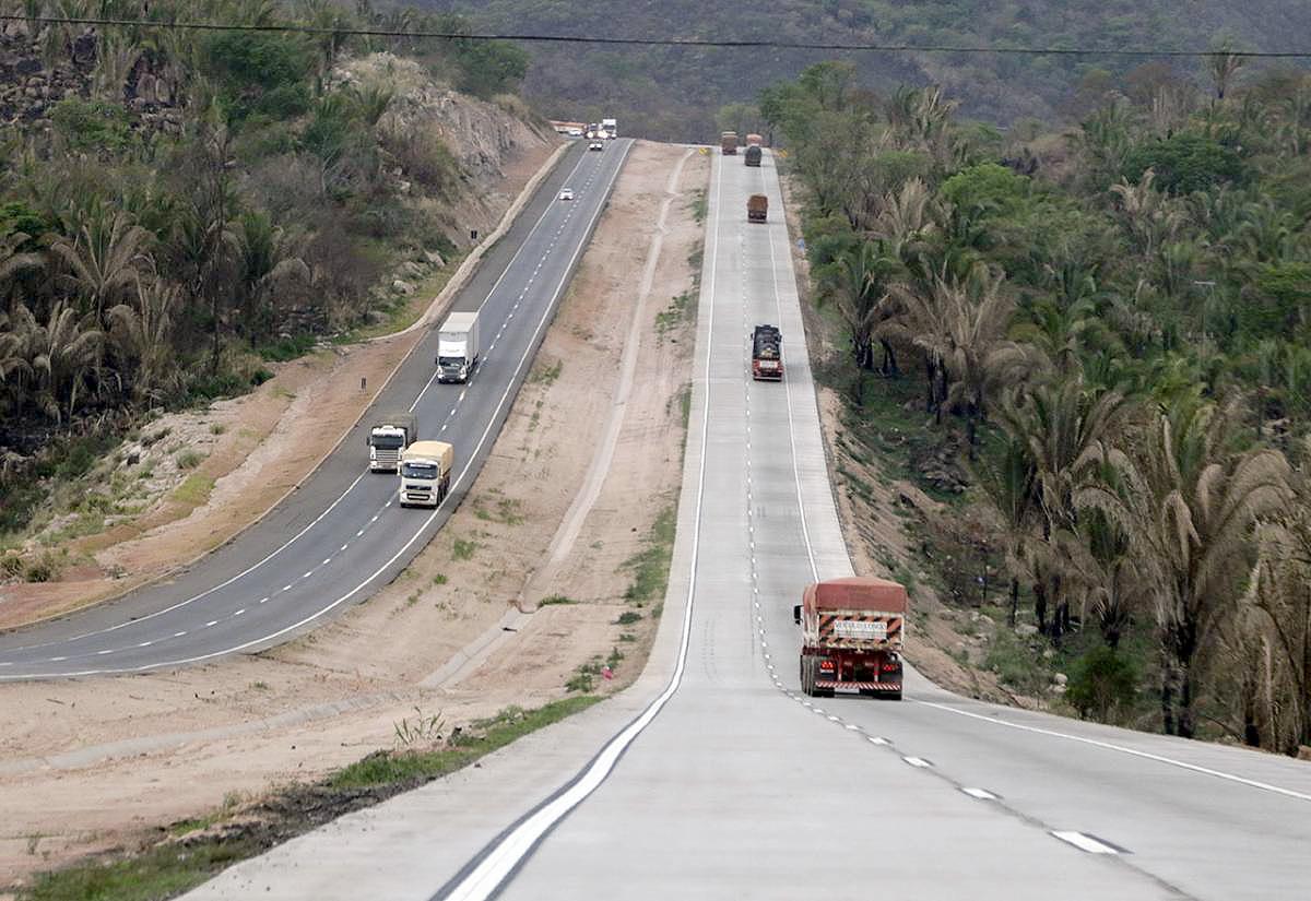 Trecho duplicado na BR-364, no Mato Grosso: ligação com portos de Santos e Paranaguá ficou facilitada. Crédito: Dnit