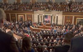 Donald Trump no Congresso dos Estados Unidos: pedido de autorização para investir US$ 1,7 trilhão em infraestrutura. Crédito: Myles Cullen/Casa Branca