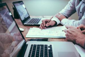A ABNT NBR 16633 é dividida em 4 partes: Terminologia, Procedimentos Gerais, Elaboração de Projetos e Gestão de Obras e Execução de Obras de Infraestrutura. Crédito: Divulgação