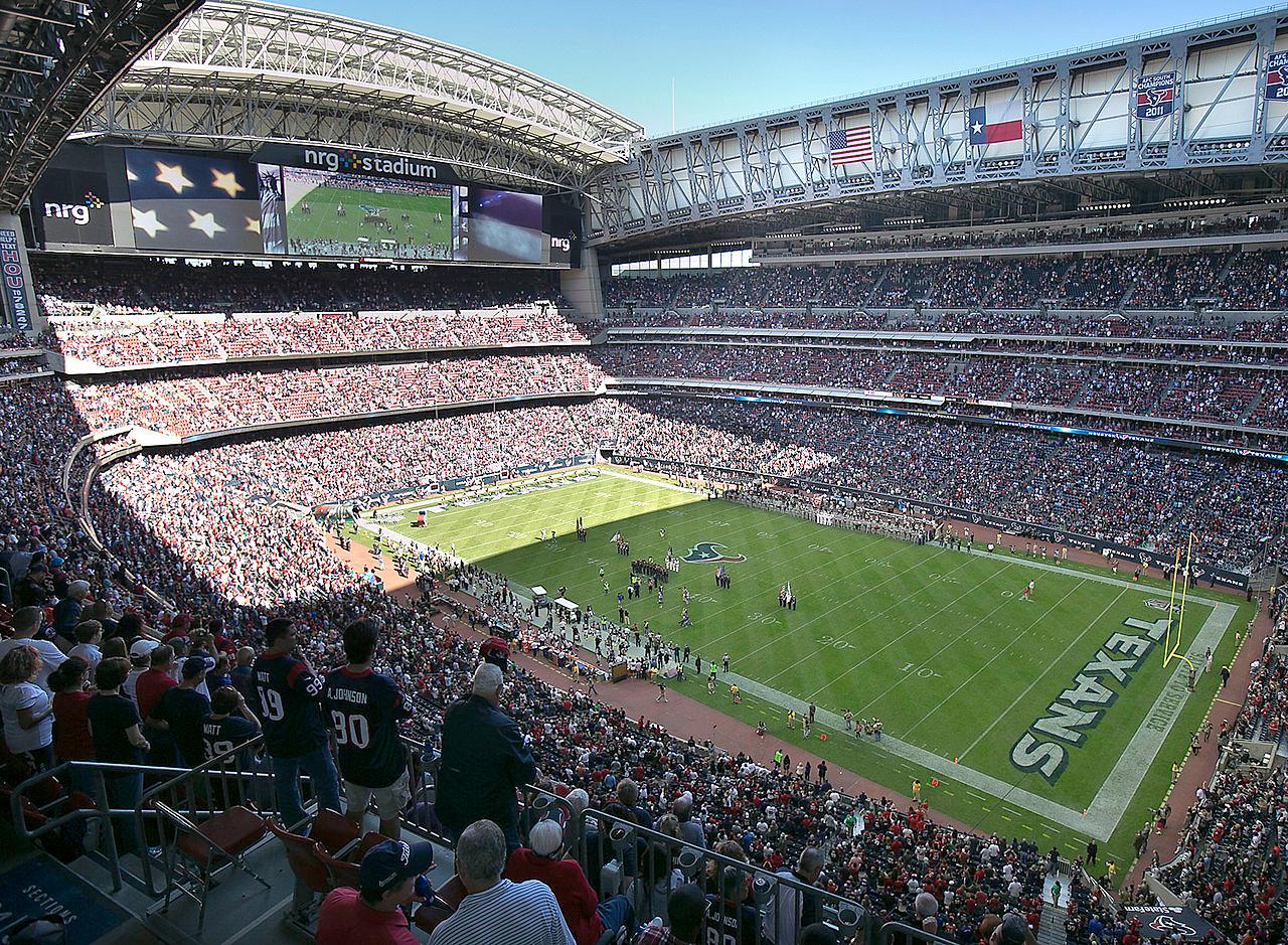 NRG Stadium, em Houston-Texas: inaugurado em 2016, é considerado atualmente o mais moderno estádio do mundo. Crédito: Populous