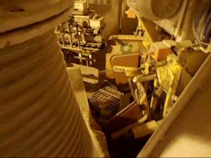 Máquina-robô faz o enchimento dos sacos de cimento, respeitando peso estabelecido em norma técnica. Crédito: Cia. de Cimento Itambé