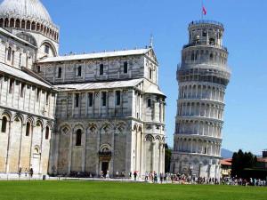 Estudo revela que Torre de Pisa vai se manter inclinada e sem risco de colapso por pelo menos mais 300 anos. Crédito: Divulgação