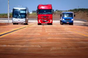 Circuito é formado por 16 diferentes tipos de terrenos, num total de 12 quilômetros de extensão. Crédito: Daimler-Benz