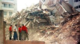 Escombros do Palace II: vinte anos depois, mito do uso de areia de praia ainda alimenta teses sobre o desabamento do edifício. Crédito: Arquivo Público