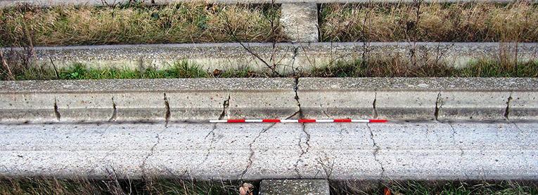 Concreto pré-moldado in loco não resistiu e precisou ser substituído por peças pré-fabricadas. Crédito: Cambridgeshire County Council