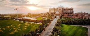 Emirates Palace: piso tem 110 mil m3 com 13 diferentes tipos de mármore. Crédito: Divulgação