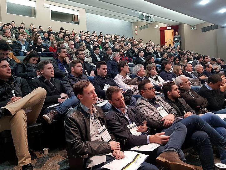 Em sua 4ª edição, o Seminário Latino-americano de Protensão aconteceu em Curitiba e bateu recorde de público (320 participantes). Crédito: SELAP 2018