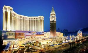 Venetian Macau: fachada em concreto aparente e vidro. Crédito: Divulgação