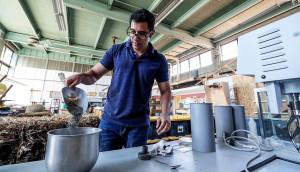 Cinzas de espigas e da palha do milho apresentam características muito semelhantes às das cinzas volantes e escórias de alto-forno. Crédito: UNK